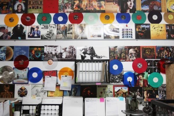 图说:一张黑胶唱片是怎样制成的?